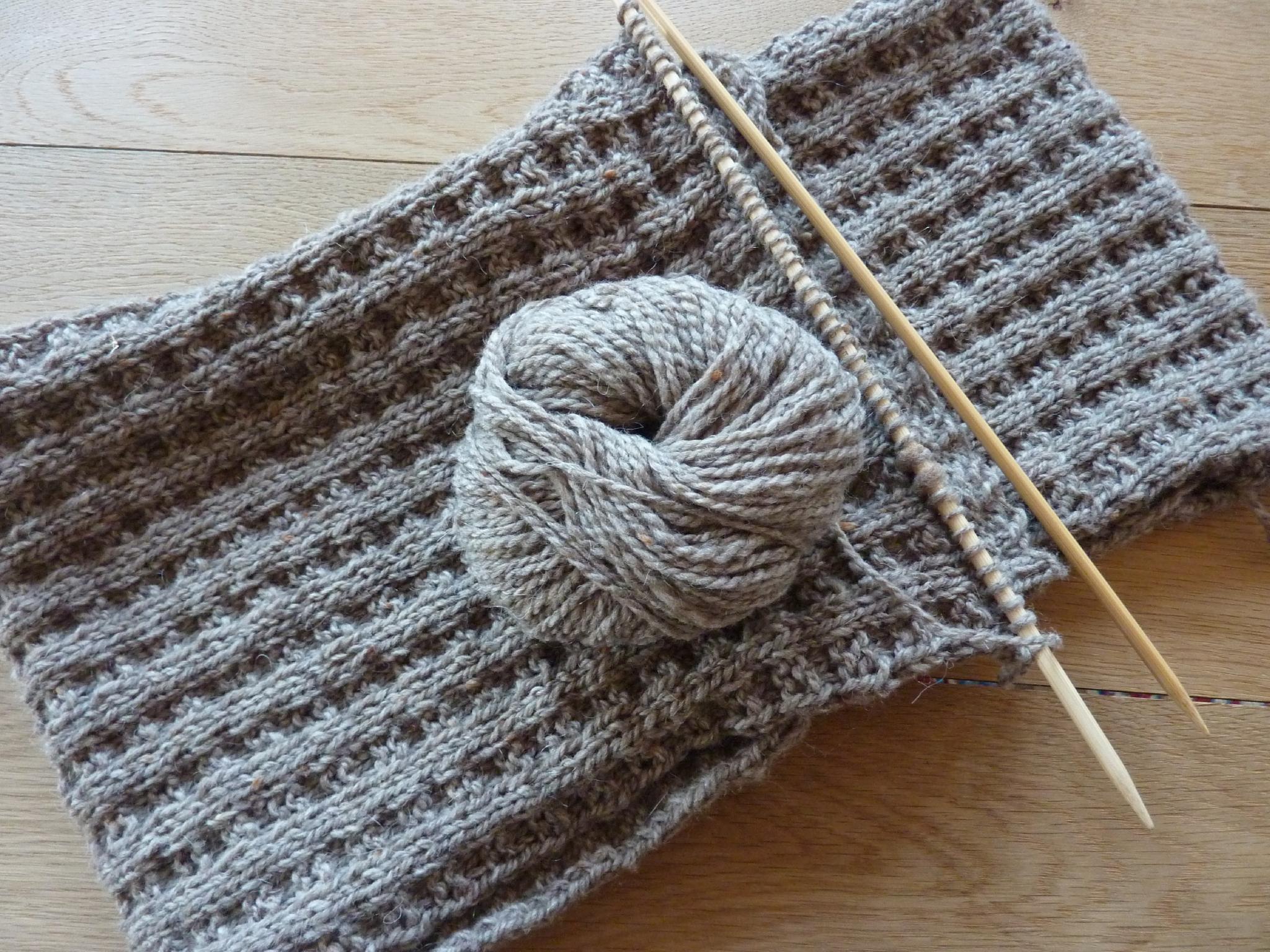 Patron echarpe a tricoter - Tricoter une echarpe en laine ...