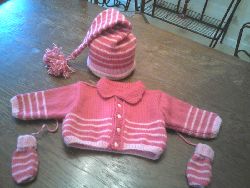 aide modèle tricot bonnet lutin bébé ... 7cc4a09d580