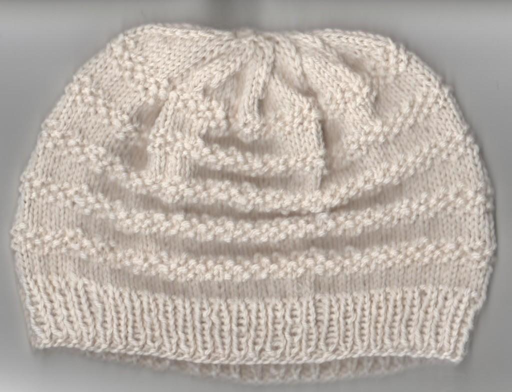beau modèle tricot bonnet bébé gratuit 4caad6430bf