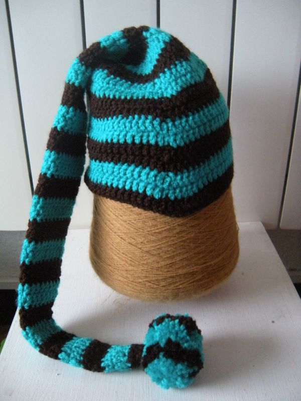 modèle tricot bonnet lutin bébé