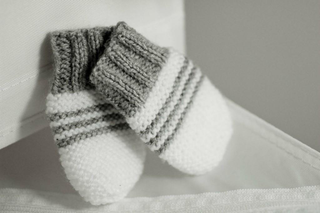 modèle tricot moufles pour bébé